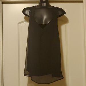 Kismet - Black Lace Shoulder Button Flow Tank XL